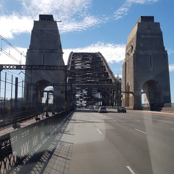 Nous traversons Harbour Bridge